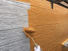 横浜市栄区A様邸外壁塗装上塗り1回目