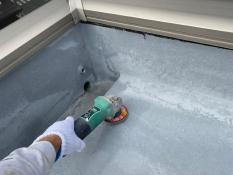 屋上 サンダーケレン 防水保護塗装