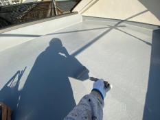 防水保護塗装 屋上 上塗り1回目