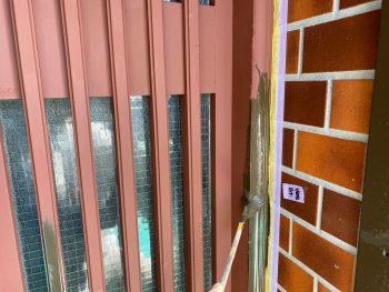 横浜市栄区Y様邸玄関格子上塗り1回目
