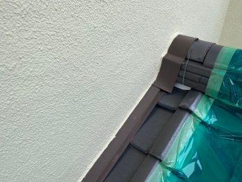 横浜市栄区Y様邸下屋根壁際板金塗装前