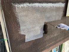 横浜市栄区K様邸外壁アクセントインディフレッシュセラ上塗り1回目