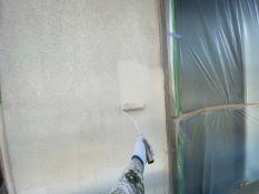 横浜市栄区K様邸外壁インディフレッシュセラ上塗り1回目
