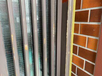 横浜市栄区Y様邸玄関格子塗装前