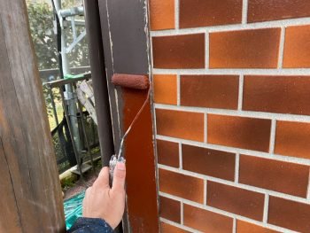 横浜市栄区Y様邸コーナー飾り柱下塗り