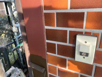 横浜市栄区Y様邸コーナー飾り柱上塗り1回目