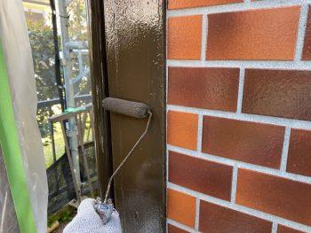 横浜市栄区Y様邸コーナー飾り柱上塗り2回目