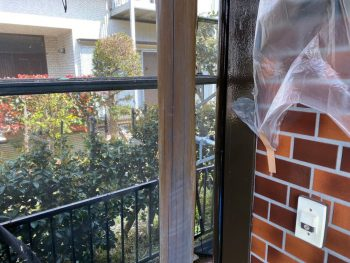 横浜市栄区Y様邸玄関飾り柱塗装前
