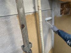横浜市栄区S様邸外壁1階部分インディフレッシュセラ下塗り