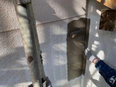 横浜市栄区S様邸外壁1階部分インディフレッシュセラ上塗り1回目