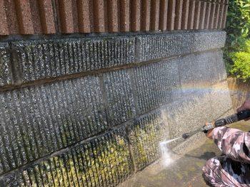 横浜市戸塚区F様邸擁壁高圧洗浄