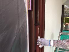 横浜市港南区N様邸玄関木枠上塗り1回目