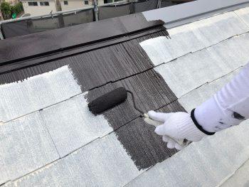 横浜市南区M様邸屋根・棟板金上塗り1回目