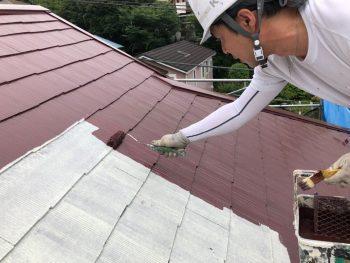 横浜市南区Y様邸屋根塗装上塗り1回目