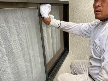 横浜市港南区I様邸窓ガラス水拭き