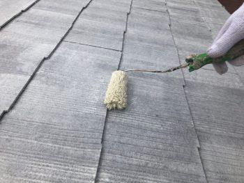 横浜市南区Y様邸屋根塗装下塗り2回目