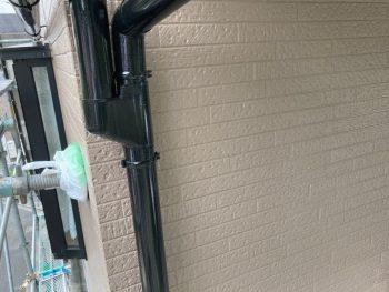 横浜市南区Y様邸雨樋塗装施工後画像