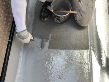 横浜市南区Y様邸FRP防水保護塗装上塗り1回目