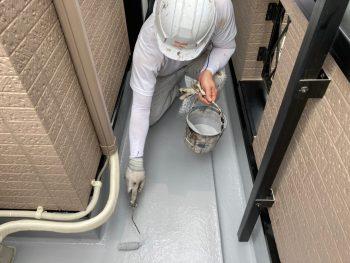 横浜市南区Y様邸FRP防水保護塗装上塗り2回目