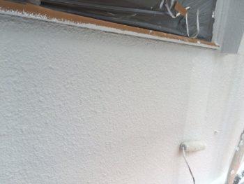 横浜市南区M様邸外壁塗り替え上塗り2回目施工中