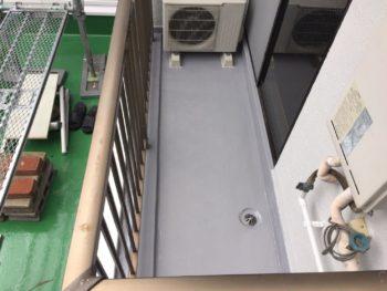 横浜市南区M様邸ベランダFRP防水保護塗装施工後画像