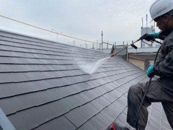 横浜市港南区T様邸住宅塗り替え前高圧洗浄作業