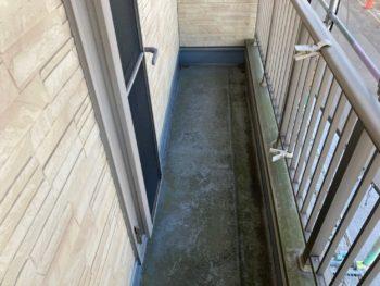 横浜市港南区N様邸ベランダFRP防水保護塗装施工前