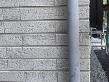 横浜市金沢区S様邸雨樋塗装前画像