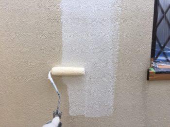 横浜市金沢区S様邸2階部分外壁塗装下塗り画像