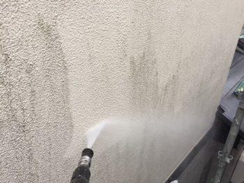 横浜市金沢区S様邸外壁塗装前高圧洗浄作業
