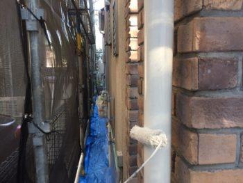 横浜市神奈川区H様邸付帯部塗装作業中