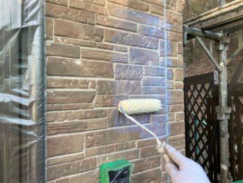 横浜市栄区E様邸UVプロテクトクリヤー塗装施工中