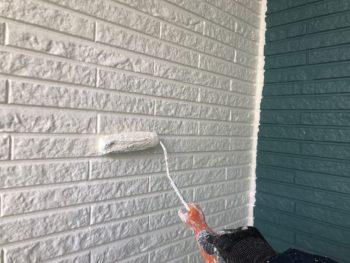 横浜市神奈川区H様邸外壁塗装中画像