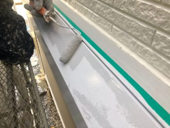 横浜市神奈川区H様邸シャッターボックス塗り替え上塗り2回目