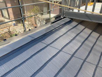 横浜市栄区T様邸サーモアイ4F屋根棟板金塗装塗り替え工事完了