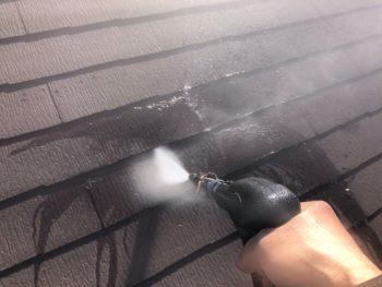 横浜市神奈川区H様邸屋根塗装前高圧洗浄作業
