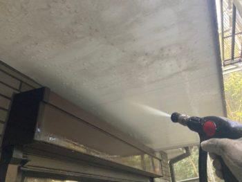 横浜市港南区H様邸外壁塗り替え前高圧洗浄作業