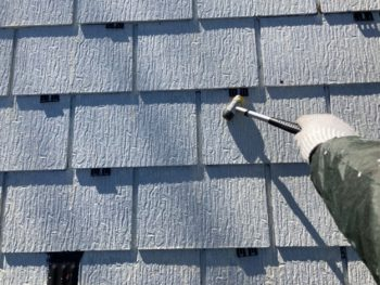 横浜市港南区H様邸屋根塗装タスペーサー挿入作業