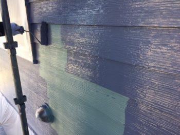 横浜市栄区O様邸外壁塗り替え上塗り2回目施工中