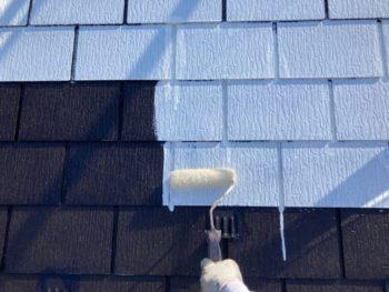 横浜市港南区H様邸屋根塗り替え下塗り2回目施工中