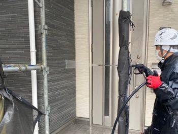 横浜市金沢区A様邸パーフェクトトップ外壁塗装前高圧洗浄作業