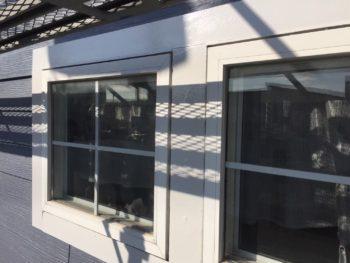 横浜市栄区O様邸窓モール塗装施工事例