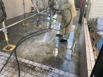 横浜市栄区W様邸外壁塗り替え前高圧洗浄作業