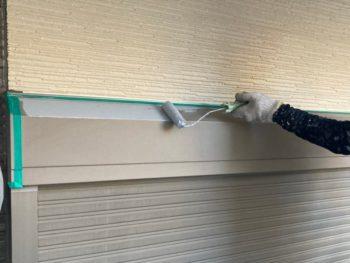 横浜市金沢区A様邸シャッターボックス錆止め塗装中