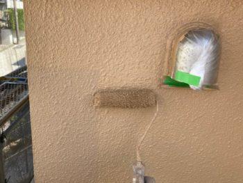 横浜市港南区O様邸パーフェクトセラミックトップG外壁塗装上塗り2回目施工中
