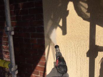 横浜市泉区W様邸パーフェクトトップ外壁塗装前高圧洗浄作業