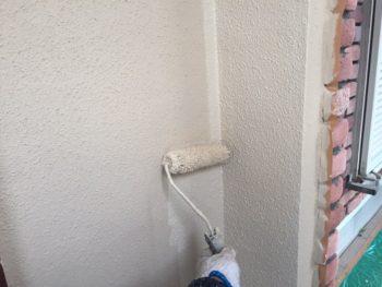 横浜市港南区M様邸インディフレッシュセラ外壁塗装上塗り2回目