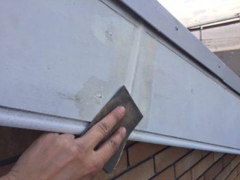 横浜市港南区M様邸破風塗装前ケレン作業