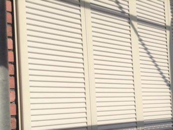 横浜市港南区M様邸雨戸塗装施工後