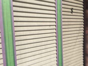 横浜市港南区M様邸雨戸塗り替え前